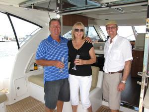 Riviera-4400-motoryachts-Lowry