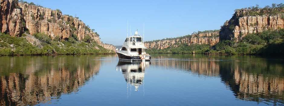 Riviera-60-boat-sales